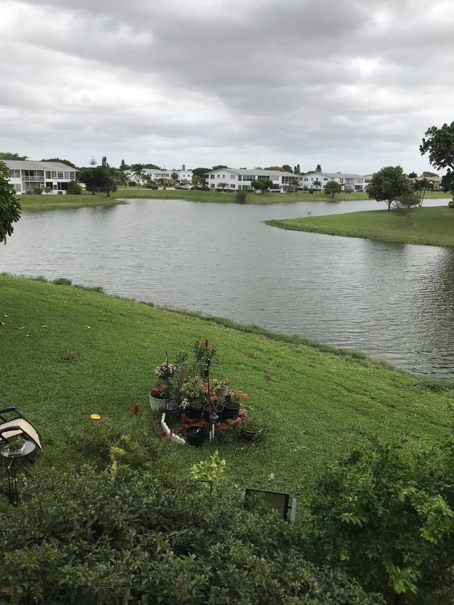 38 Windsor B, West Palm Beach, Florida 33417, 1 Bedroom Bedrooms, ,1 BathroomBathrooms,Condo/Coop,For Rent,Windsor B,2,RX-10572975
