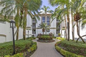 7370 Orangewood Lane, 205, Boca Raton, FL 33433