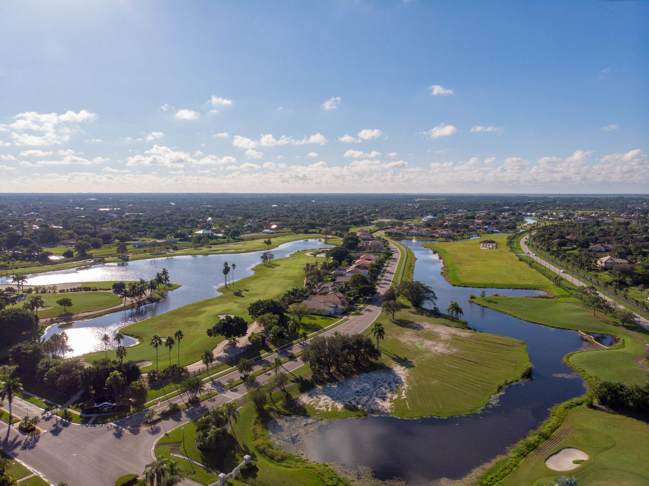 2429 Country Golf Drive, Wellington, Florida 33414, 3 Bedrooms Bedrooms, ,2.1 BathroomsBathrooms,Single Family,For Sale,LAKEFIELD,Country Golf,RX-10573238