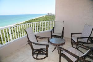 Ocean Royale balcony living