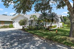 12697 SE Pinehurst Court, Hobe Sound, FL 33455