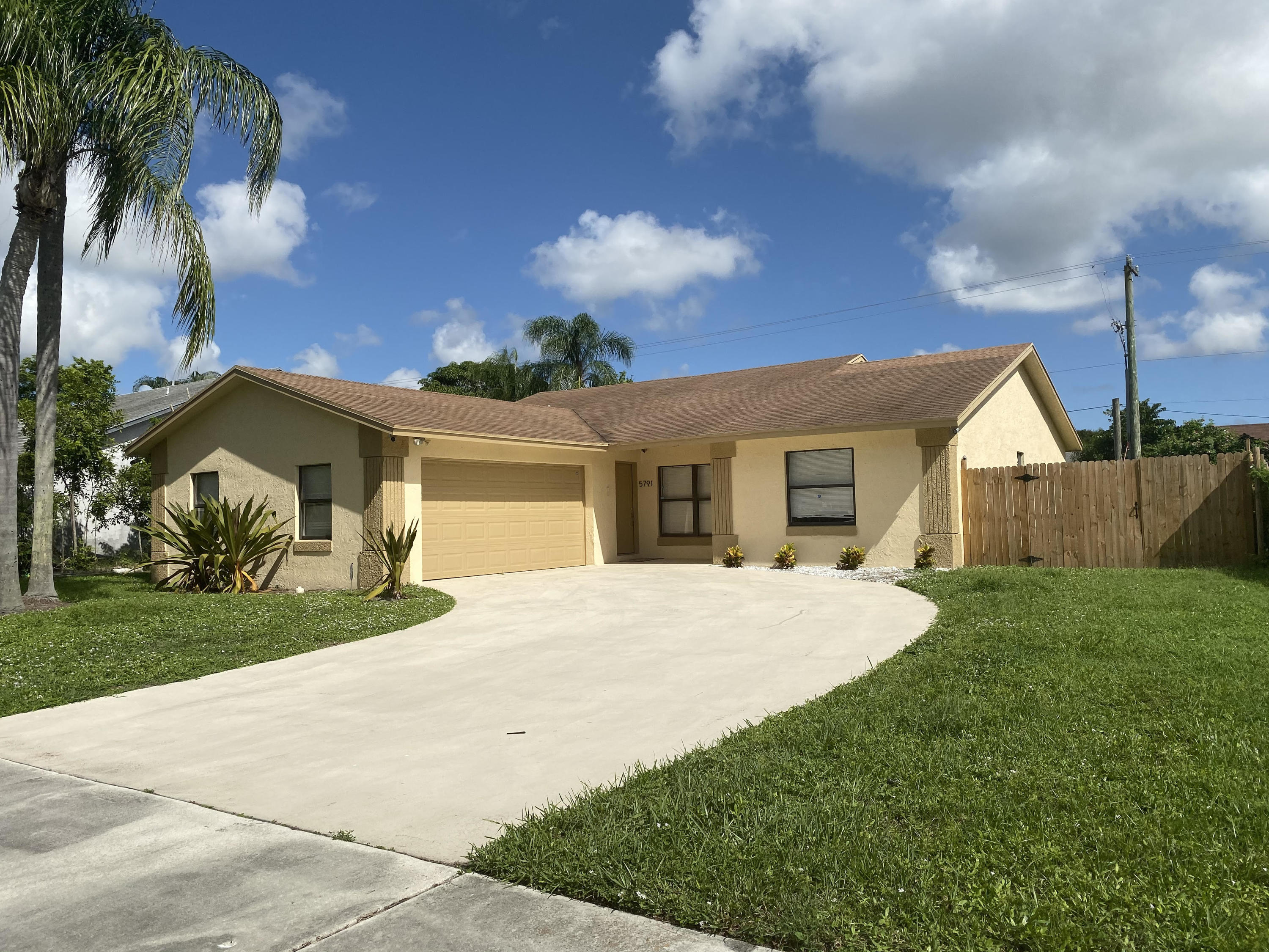 Photo of 5791 Autumn Ridge Road, Lake Worth, FL 33463