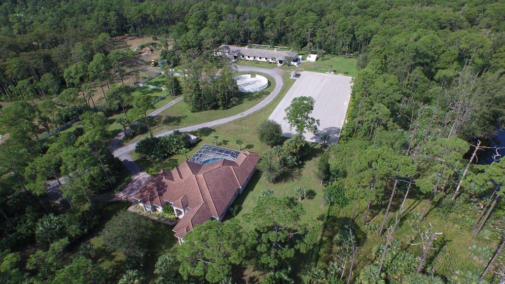 1059 E Road Loxahatchee Groves, FL 33470
