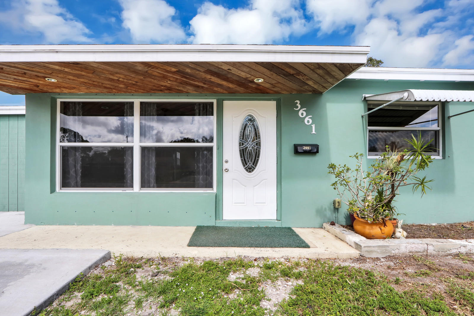 3661 Florida Boulevard, Palm Beach Gardens, FL 33410