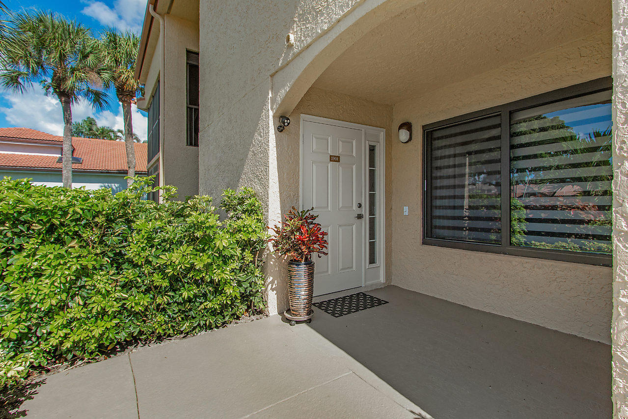 Photo of 7701 Glendevon Lane #1901, Delray Beach, FL 33446