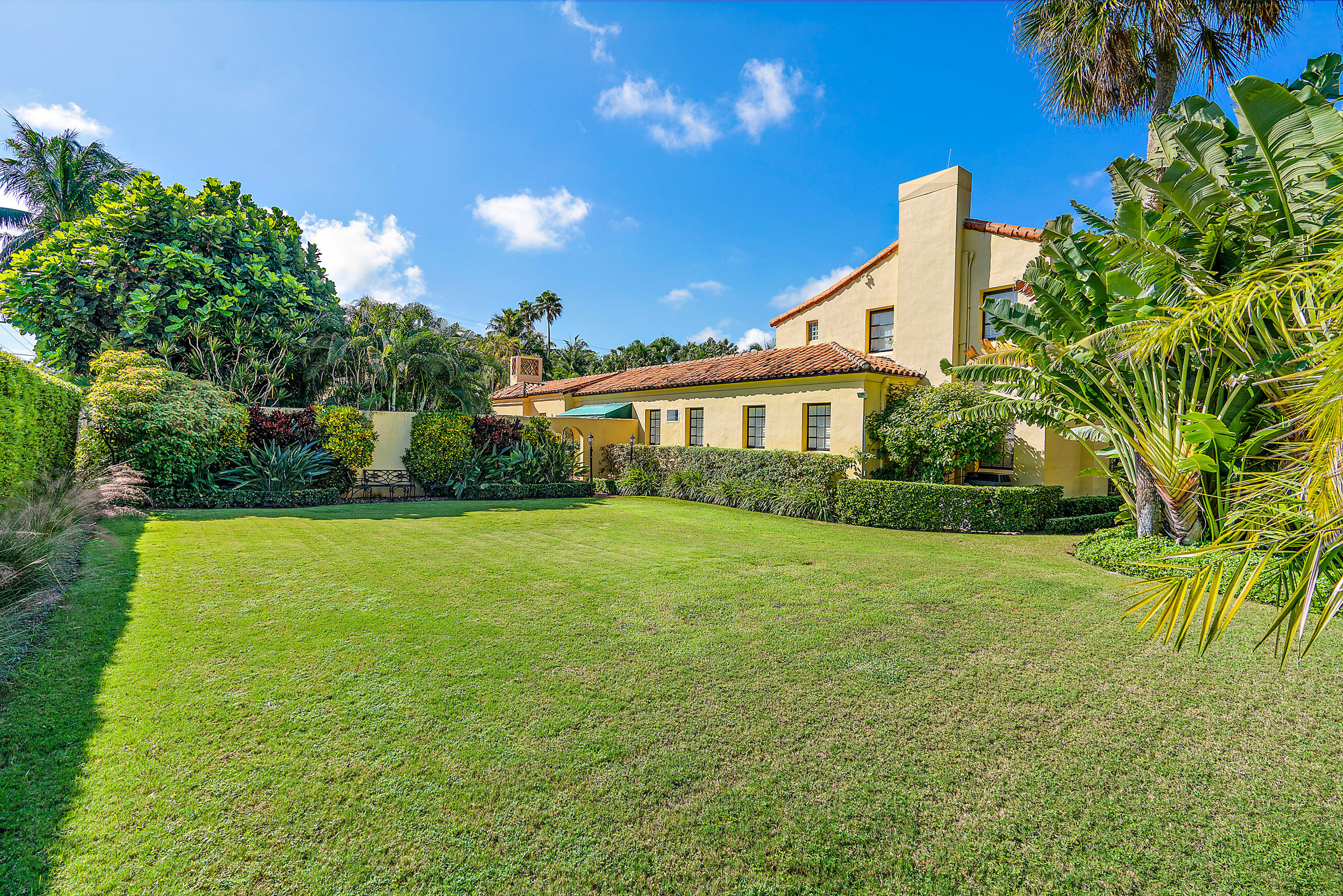 200 El Bravo Way, Palm Beach, Florida 33480, 4 Bedrooms Bedrooms, ,5.1 BathroomsBathrooms,Single Family,For Sale,El Bravo,RX-10575890