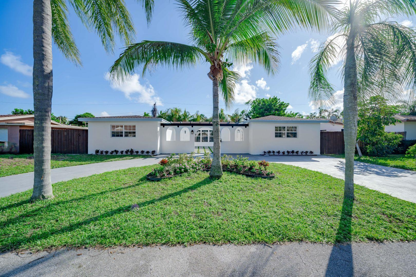 904 SE 13th Court, Deerfield Beach, FL 33441