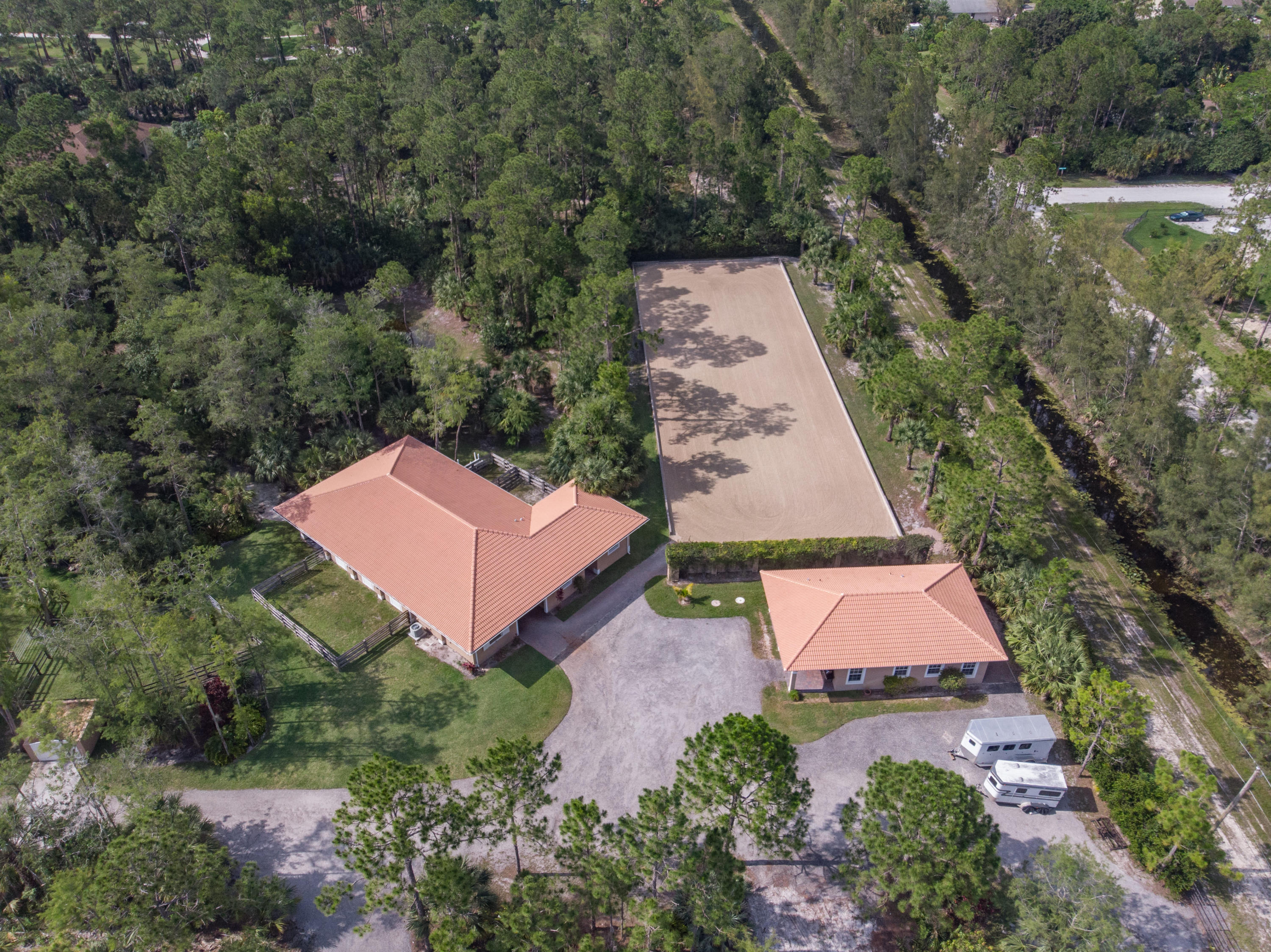 1154 Clydesdale Drive, Loxahatchee, Florida 33470, 2 Bedrooms Bedrooms, ,2.1 BathroomsBathrooms,Barn,For Rent,Clydesdale,RX-10576444