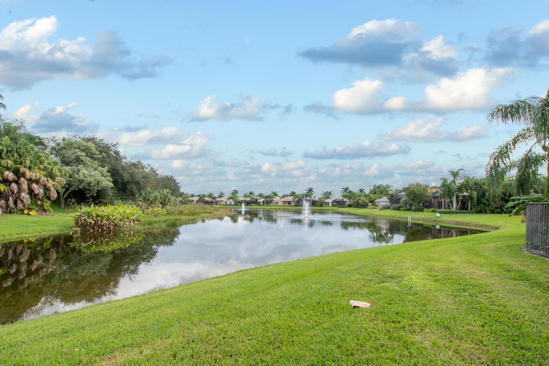 Image 23 For 3834 Newhaven Lake Drive