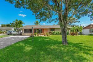 418 W Shadyside Circle, West Palm Beach, FL 33415
