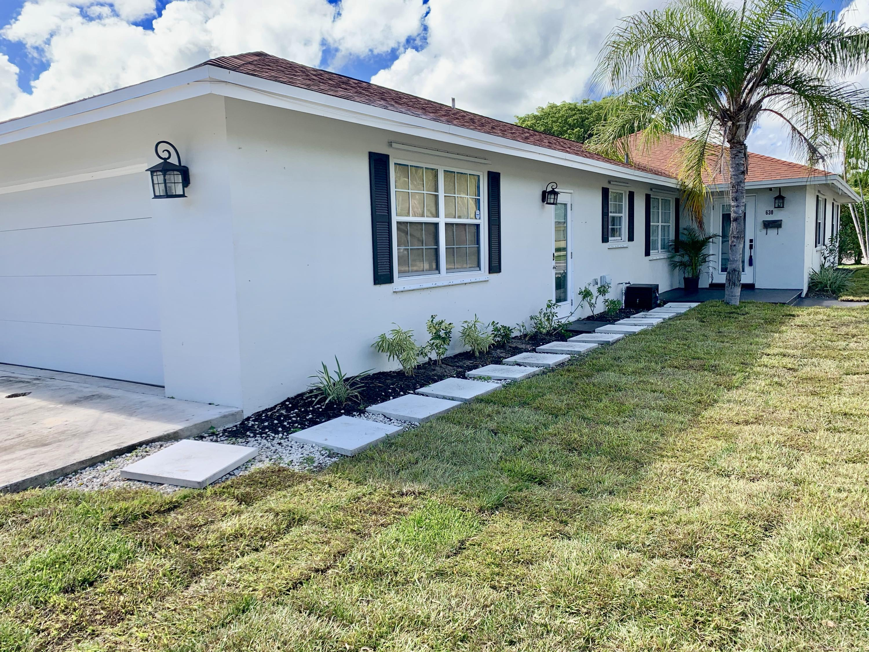 Photo of 630 N Palmway, Lake Worth, FL 33460