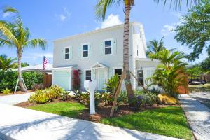 726 N Ocean Breeze, Lake Worth, FL 33460