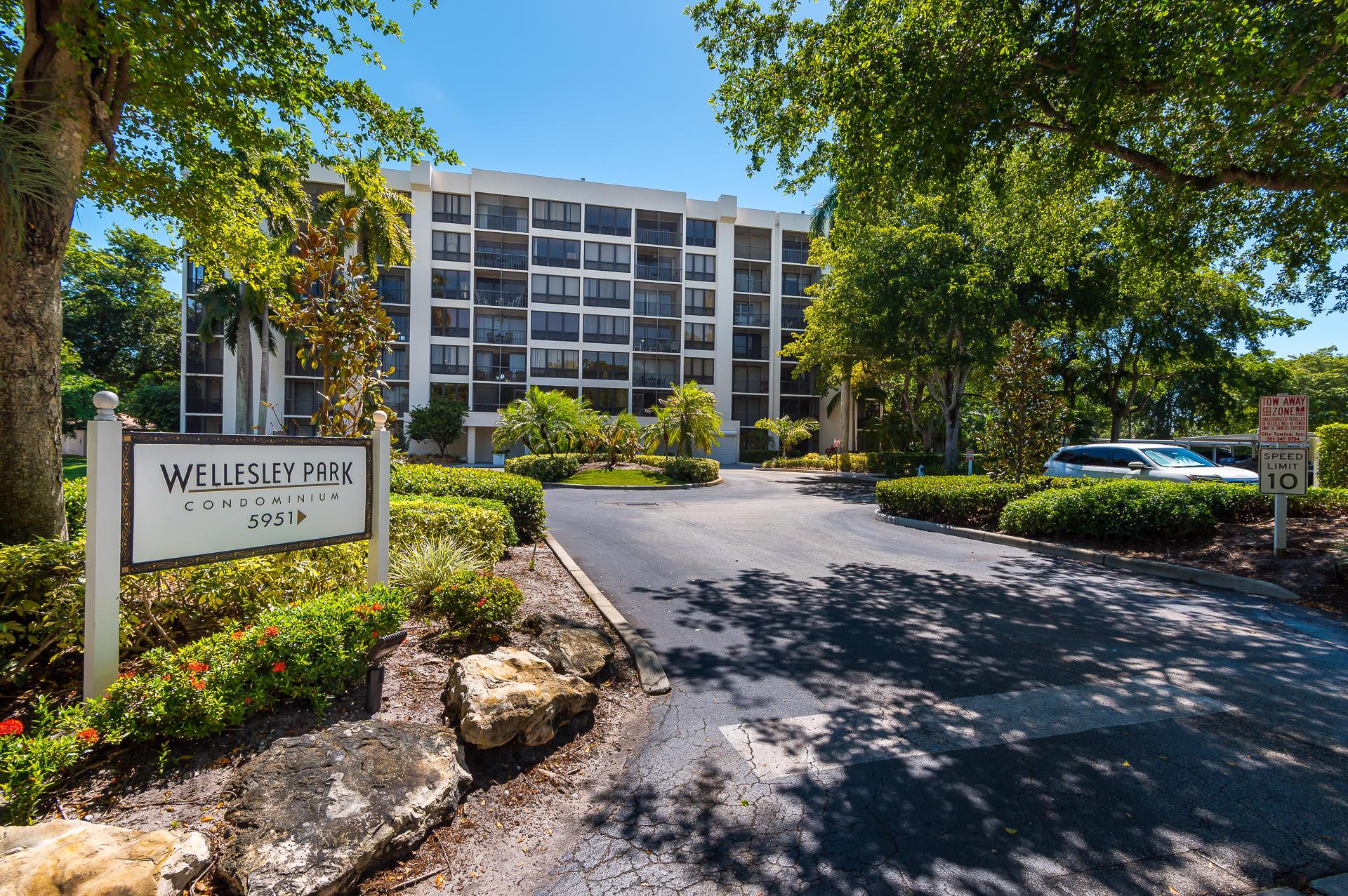 5951 Wellesley Park Drive #205 Boca Raton, FL 33433