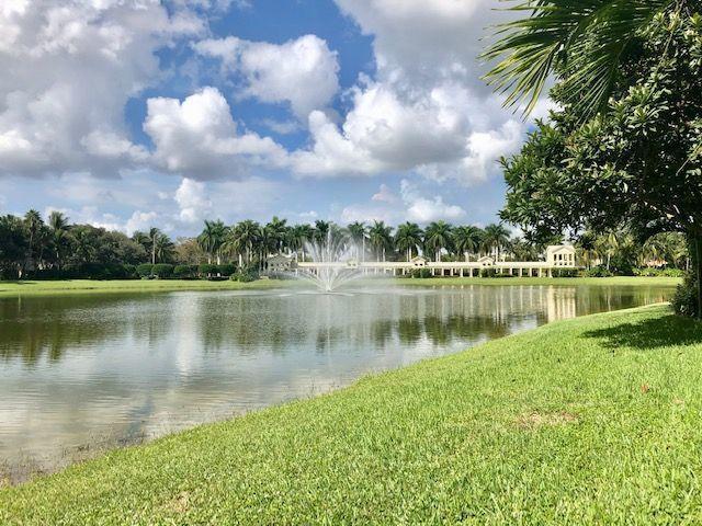 Photo of 1212 Oakwater Drive, Royal Palm Beach, FL 33411