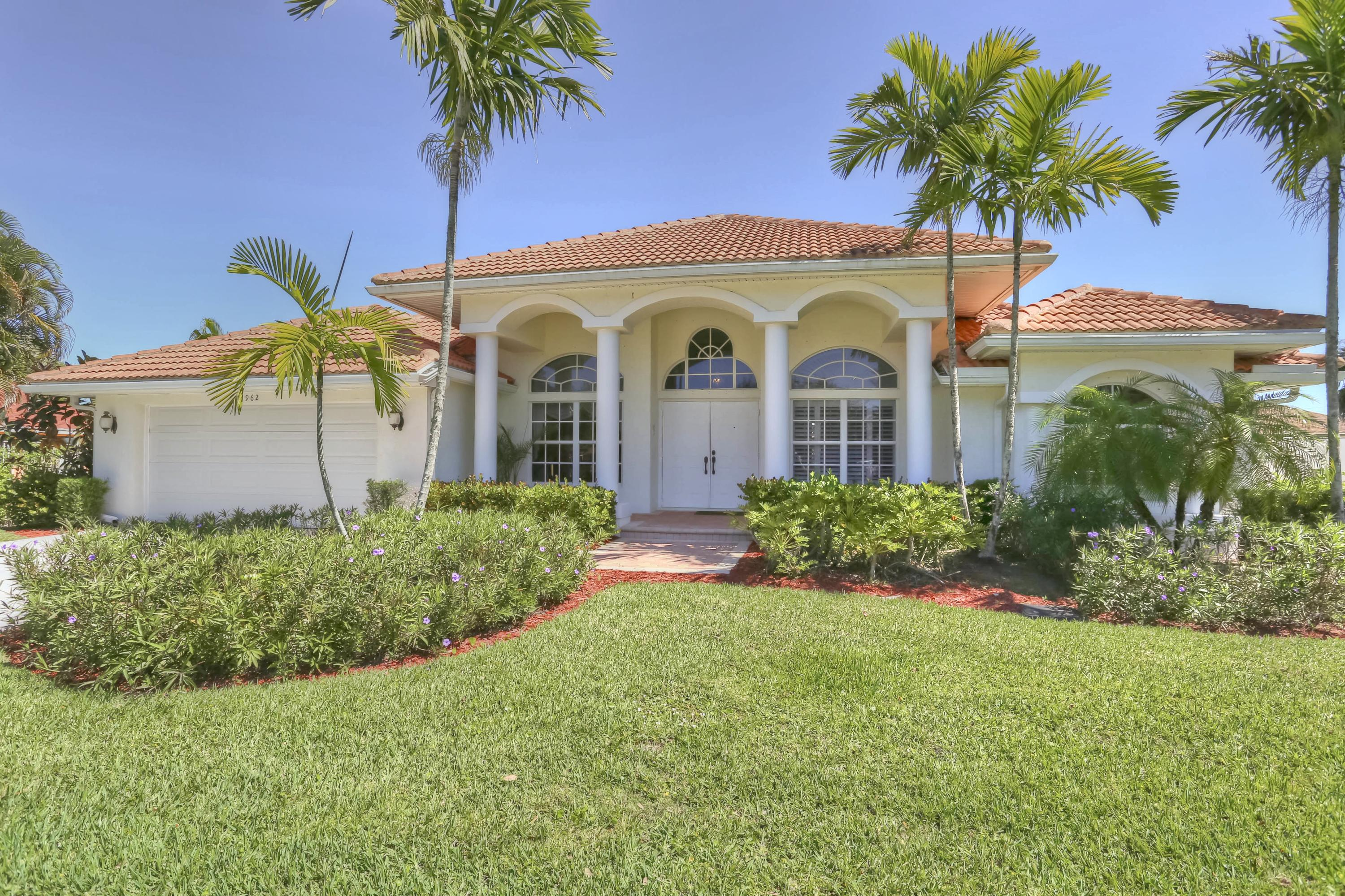 2962 Bolton Court, Wellington, Florida 33414, 3 Bedrooms Bedrooms, ,2 BathroomsBathrooms,Single Family,For Rent,Greenview Shores,Bolton,1,RX-10577513