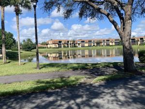 5390 Woodland Lakes Drive, 101, Palm Beach Gardens, FL 33418