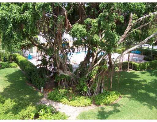 Image 16 For 27 Royal Palm Way 406