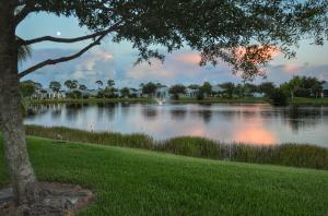 595 NE Canoe Park Circle, Port Saint Lucie, FL 34983