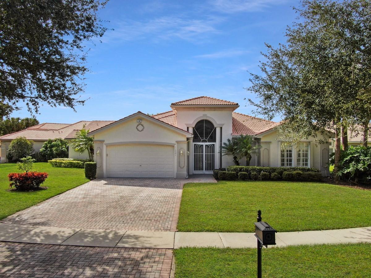 11021 Malaysia Circle, Boynton Beach, Florida 33437, 4 Bedrooms Bedrooms, ,4.1 BathroomsBathrooms,Single Family,For Sale,Valencia Isles,Malaysia,RX-10579008