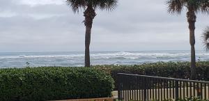 400 Ocean Trail Way, 102, Jupiter, FL 33477