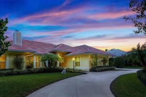 18216 SE Heritage Drive, Tequesta, FL 33469