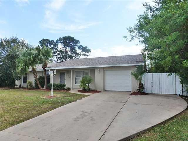 882 SE Walters Terrace, Port Saint Lucie, FL 34953
