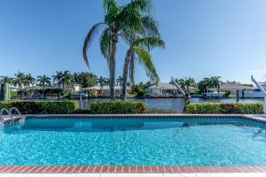 824 Shore Drive, North Palm Beach, FL 33408