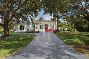 8430 Native Dancer Road E, Palm Beach Gardens, FL 33418