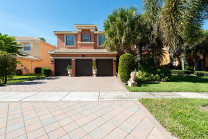 2246 Ridgewood Circle, Royal Palm Beach, FL 33411