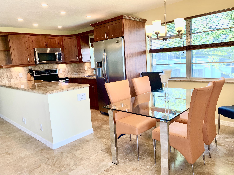 37 Farnham, Deerfield Beach, Florida 33442, 2 Bedrooms Bedrooms, ,2 BathroomsBathrooms,Condo/Coop,For Rent,Farnham,2,RX-10580398