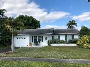 9549 Richmond Circle, Boca Raton, FL 33434