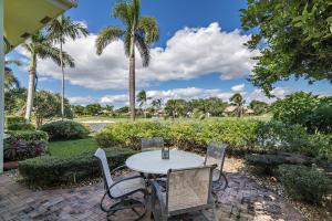 7399 Orangewood Lane Boca Raton FL 33433