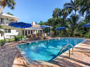 15 E Ocean Avenue, Ocean Ridge, FL 33435