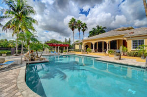 Beautiful Condo 3/2 with garage in Royal Palm Beach