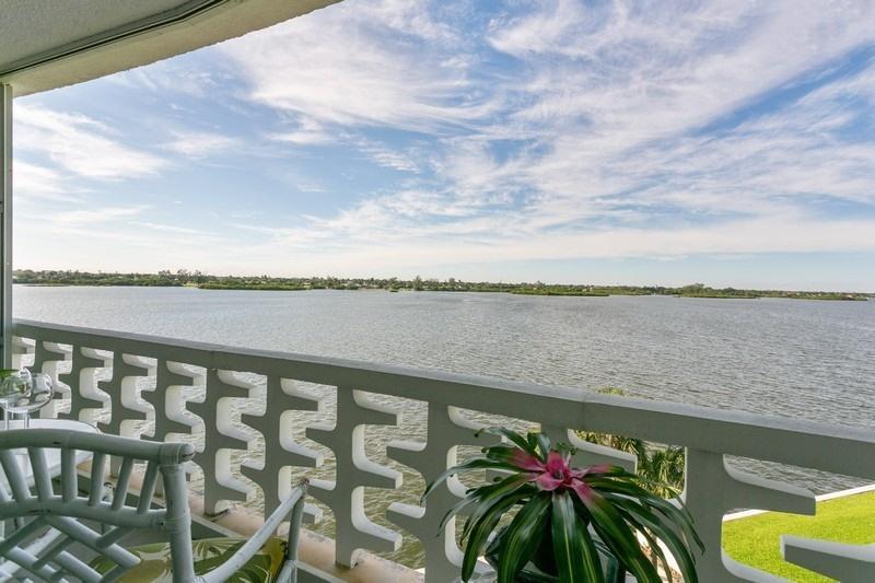 Photo of 2760 S Ocean Boulevard #403, Palm Beach, FL 33480
