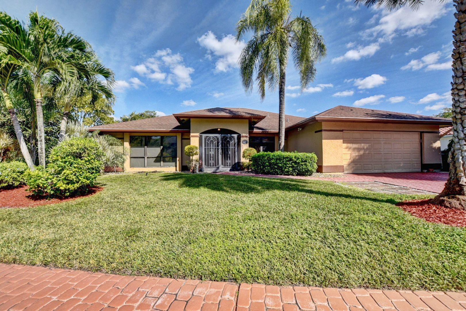 12703 Headwater Circle, Wellington, Florida 33414, 3 Bedrooms Bedrooms, ,3 BathroomsBathrooms,Single Family,For Sale,Island of Wellington,Headwater,RX-10583762