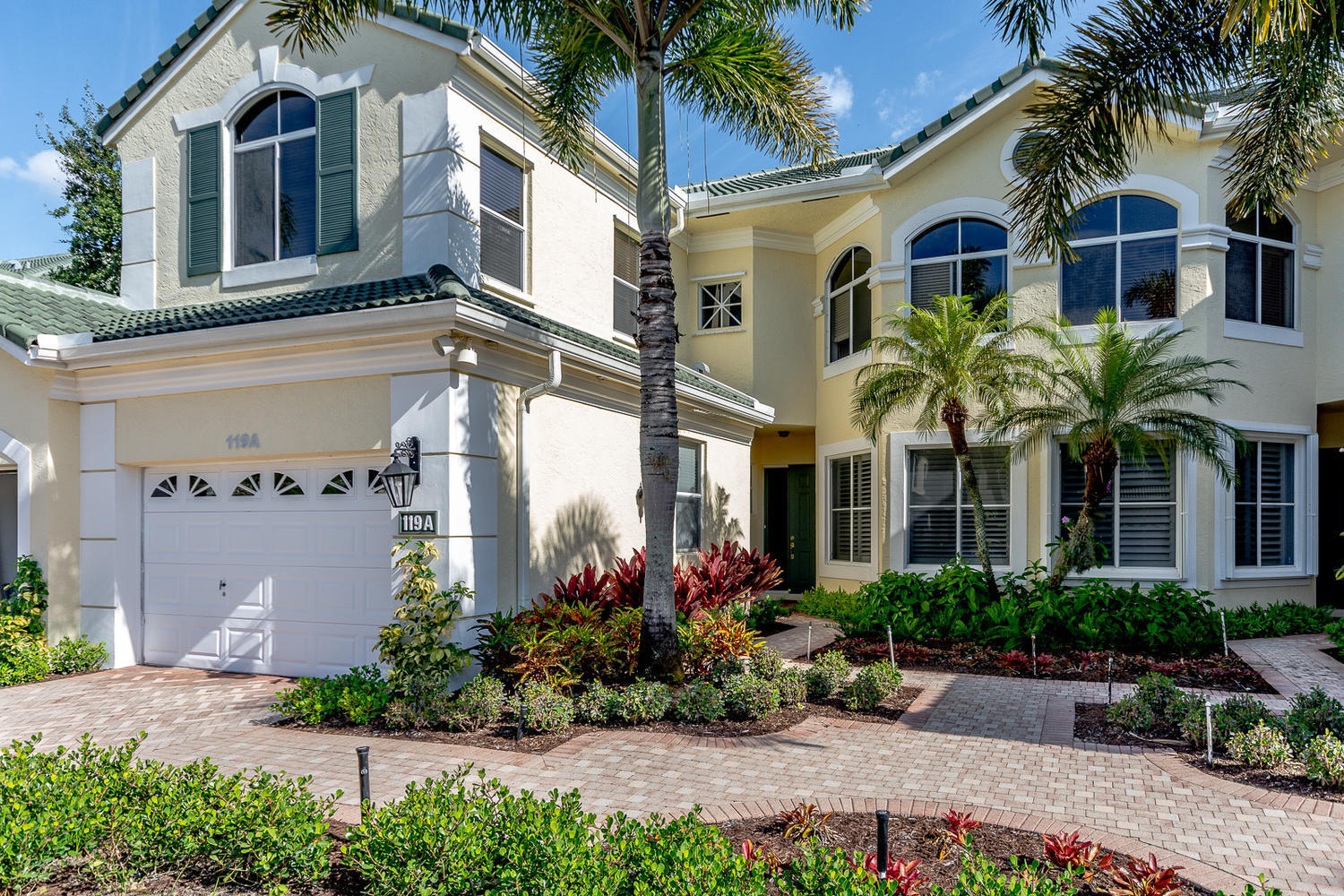 119 Palm Point Circle A, Palm Beach Gardens, FL 33418