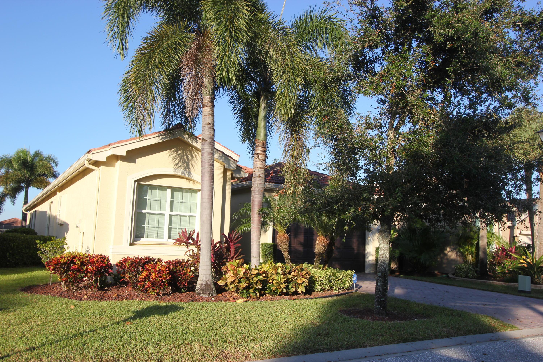 10797 Carmelcove Circle  Boynton Beach FL 33473