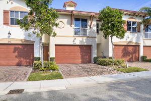 4719 N Prive Circle N, Delray Beach, FL 33445