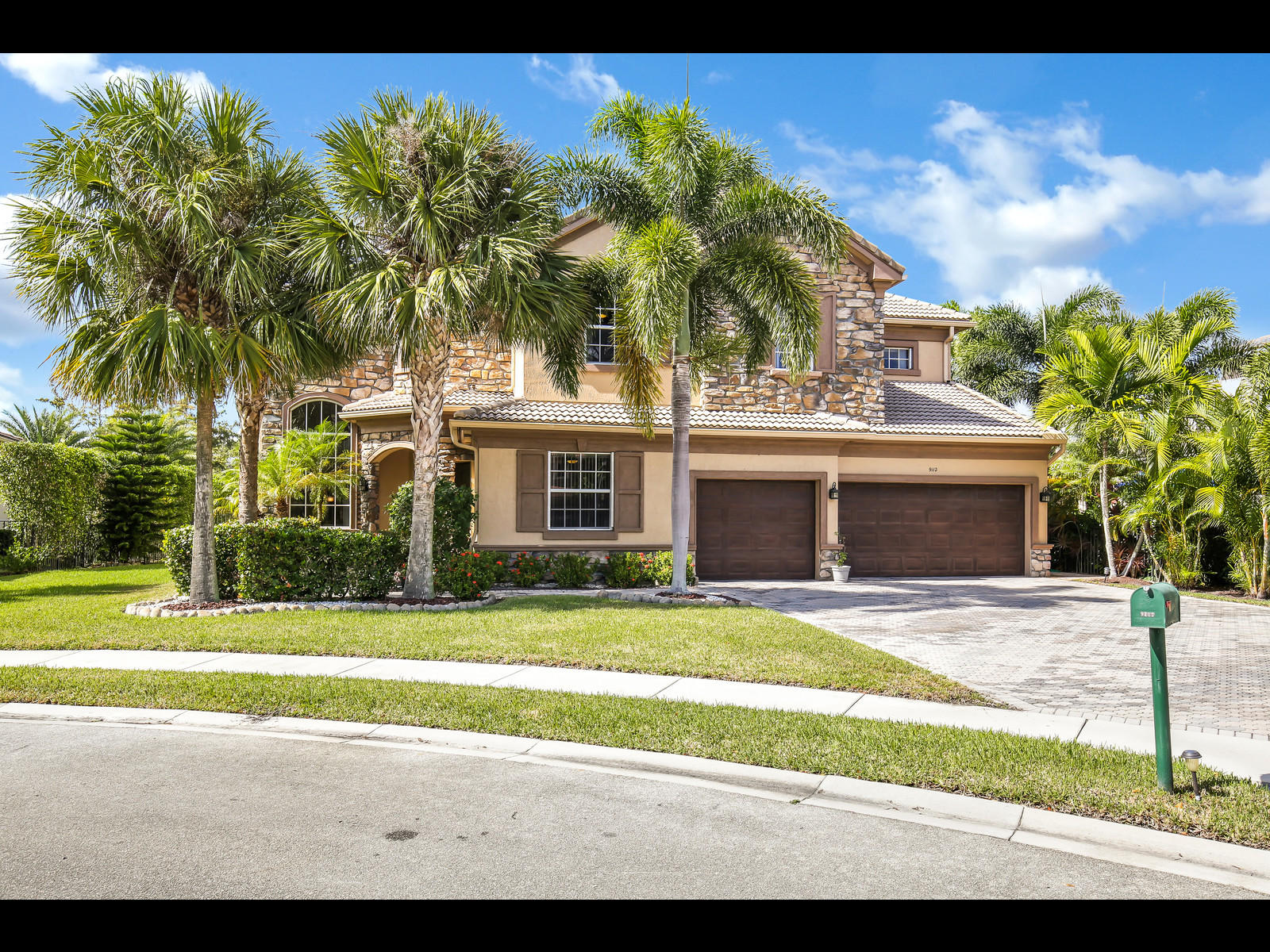 Photo of 9112 Pineville Drive, Lake Worth, FL 33467