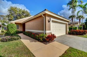 2821 S Clearbrook Circle, Delray Beach, FL 33445