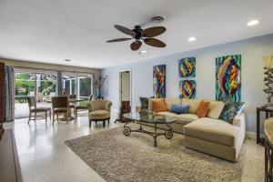 6933 Bayshore Drive, Lake Worth, FL 33462