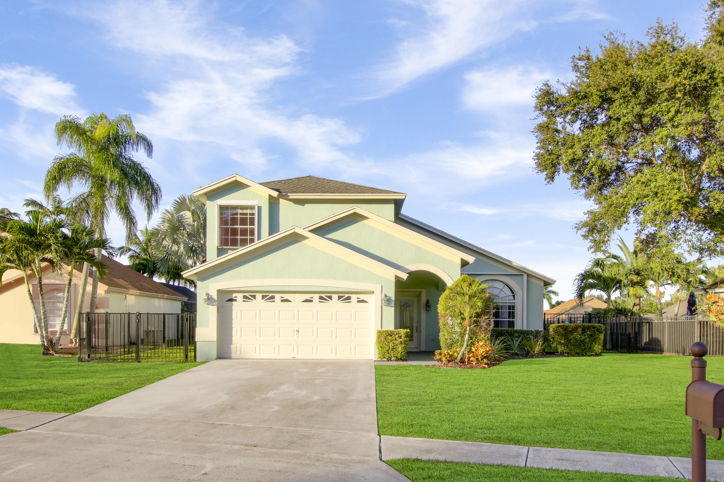 Photo of 3862 Woods Walk Boulevard, Lake Worth, FL 33467