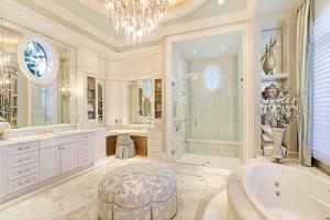 Master Suite Her Bath