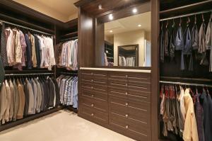 Master Suite His Closet