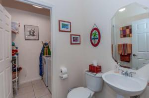 21104 Via Ventura Boca Raton FL 33433