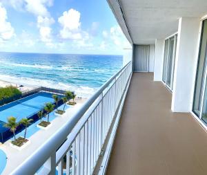 3546 S Ocean Boulevard, 926, South Palm Beach, FL 33480