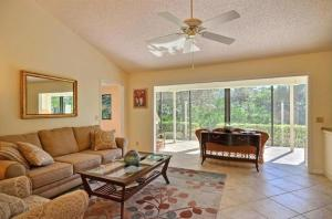 2101 NW Greenbriar Lane, Palm City, FL 34990