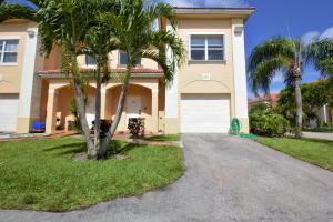 825 Talia Circle, Palm Springs, FL 33461