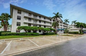 3626 Whitehall Drive, 202, West Palm Beach, FL 33401